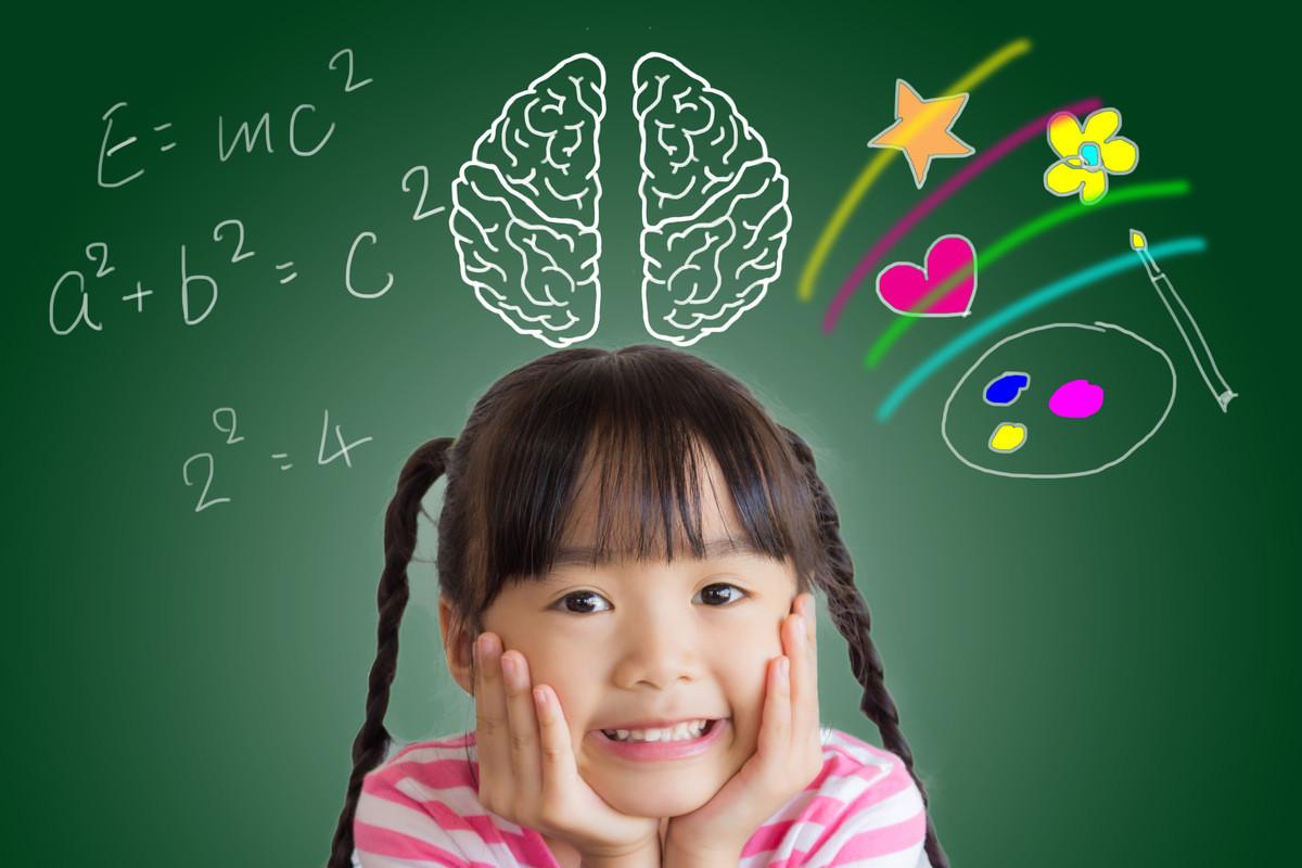 子供の脳をイメージした女の子の画像