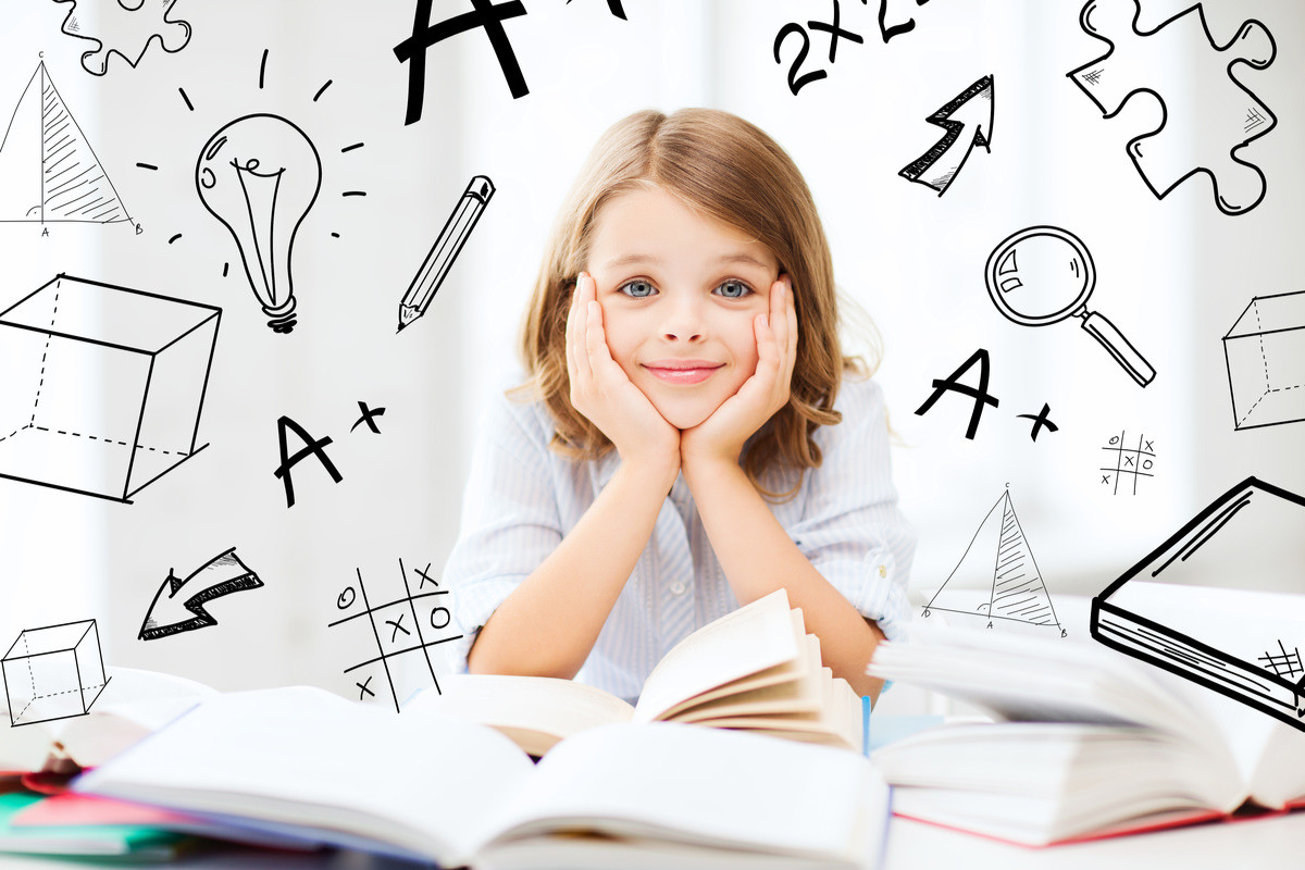 女の子が勉強の様々なイメージをしている画像